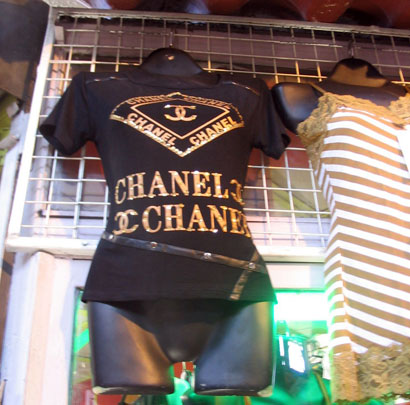 1db95b98d0cd0 Una preciosa polera Chanel