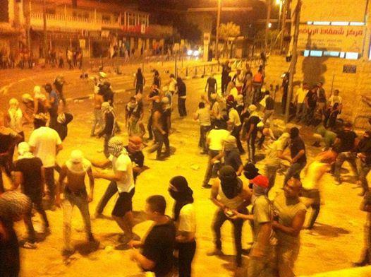 Barrio de Shu'fat, Jerusalén Este Ocupado en la noche del 2 de julio. Foto via Younes Arar.