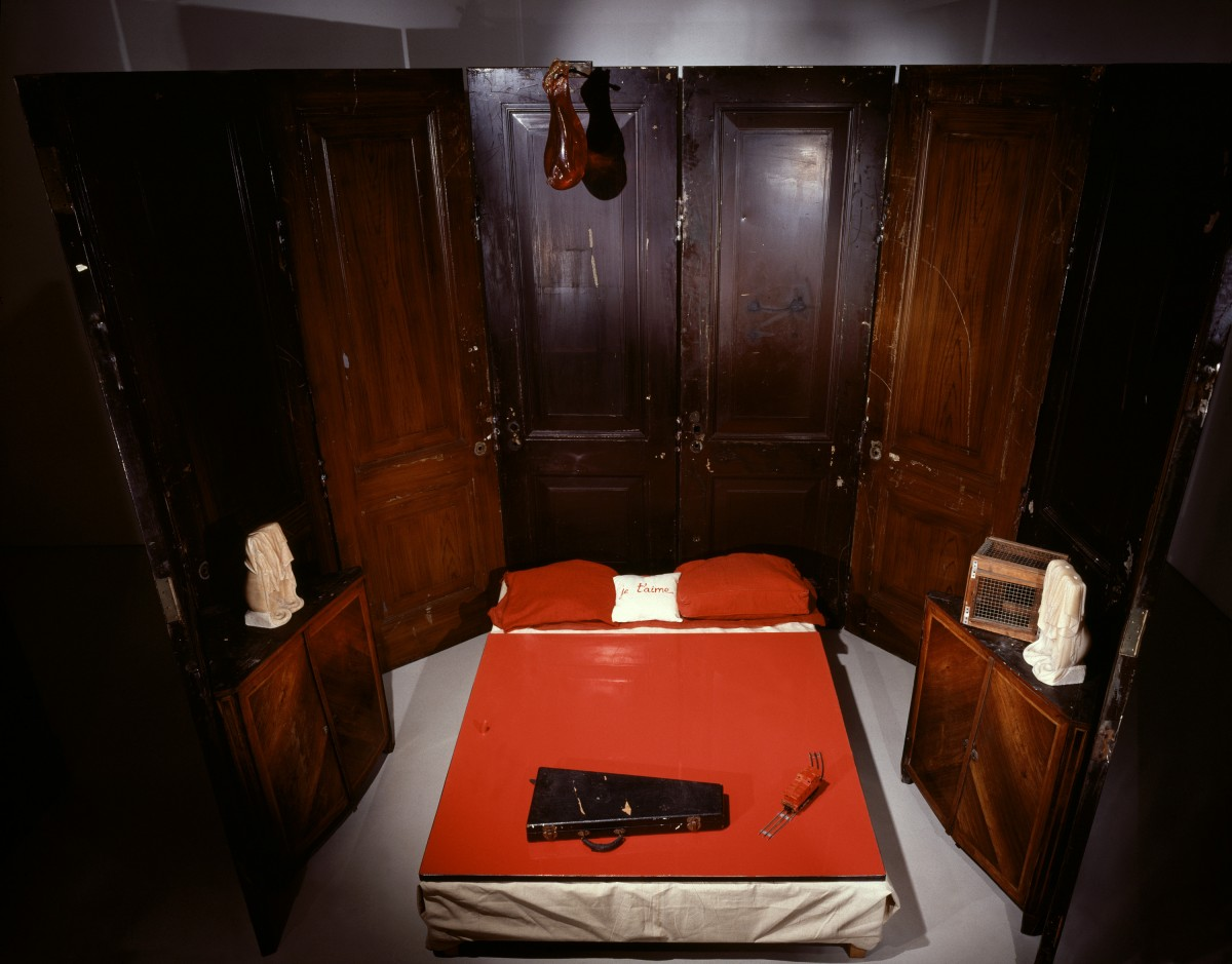 RED-ROOM-Louise-Bourgeois1