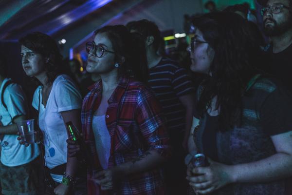 El público en trance con Alejandro Paz y Los Resentidos